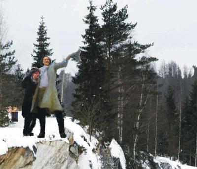 Создадим протосценарий фильма Как царь Пётр карела белил ? - Царь и Иван на астроскале.jpg